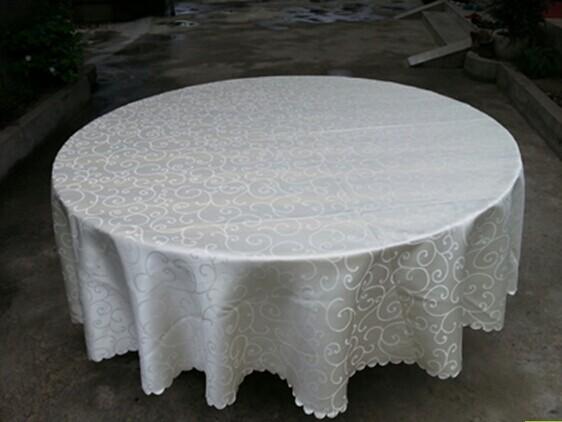 宴会桌桌布米白色缎布