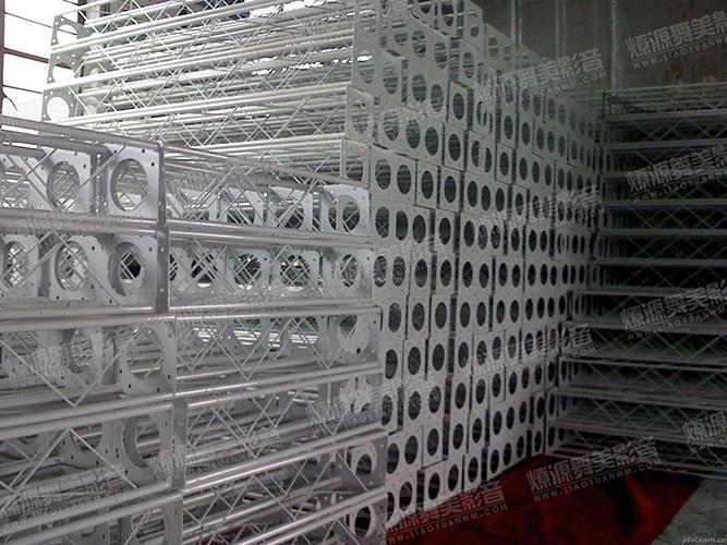 20CMx20CM圆管白色烤漆桁架